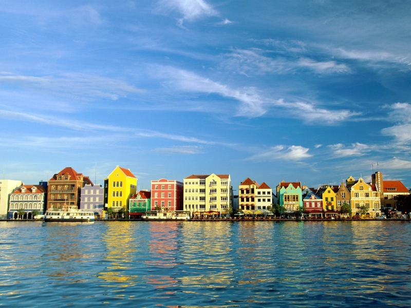 Culture, beaches, amazing weather. Curaçao has it all!