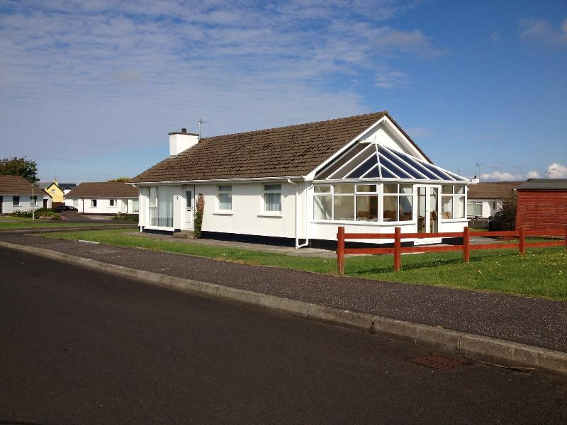 Superb bungalow within walking distance to the Giant's Causeway and many attractions and beache