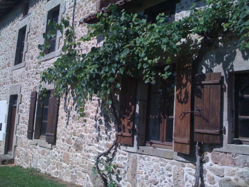 Detached stone farmhouse in picturesque/peaceful setting