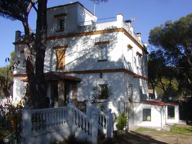Casa Rural de 6 dormitorios y 300m2 Cerro Muriano, aluguéis de temporada em Las Jaras