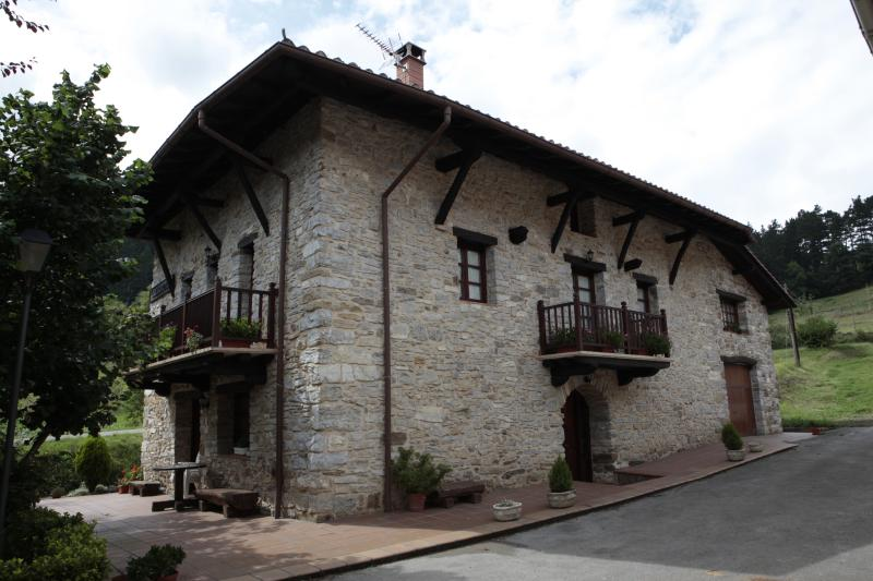 CASA RURAL GOIKOETXE, holiday rental in Orozko