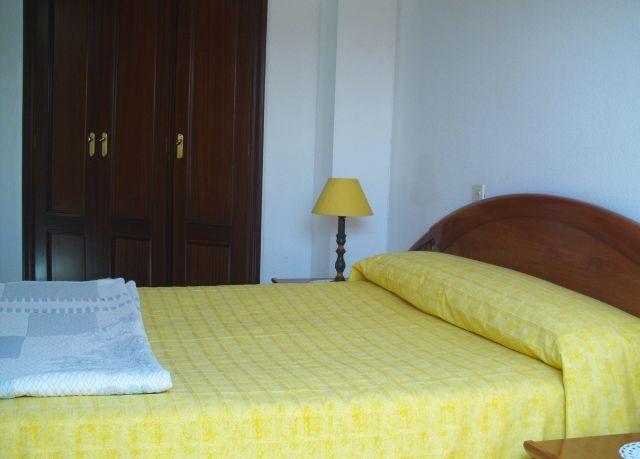 Apartamento 2 dormitorios en Baiona (Casco Urbano), holiday rental in Viladesuso