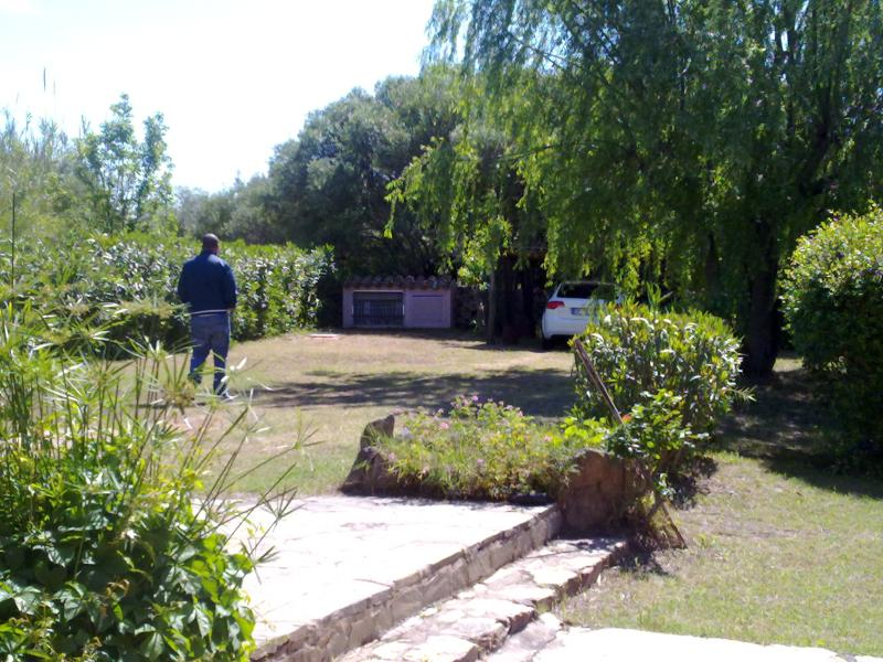 private garden with parking