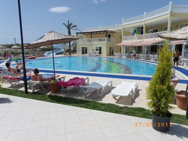 main complex pool, bar/restraunt areas, poolbar, tennis, mini golf, gym, shop