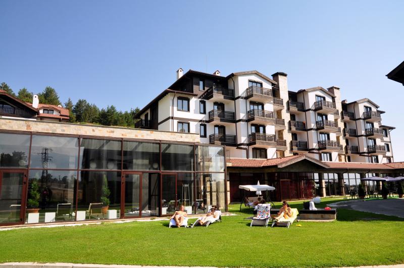 '3 MOUNTAINS' SPA, SKI & GOLF, holiday rental in Razlog