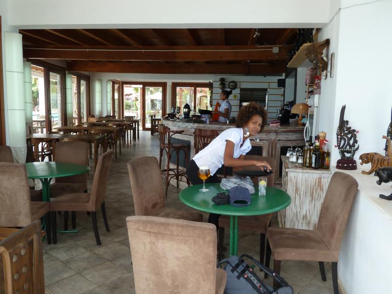 Papaya's beach bar - lovely coffee and cakes