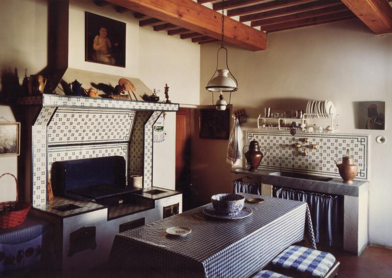 Our kitchen in a rustic style, practical e..di taste.