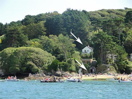 Kingsgrove and boathouse from Salcombe estuary