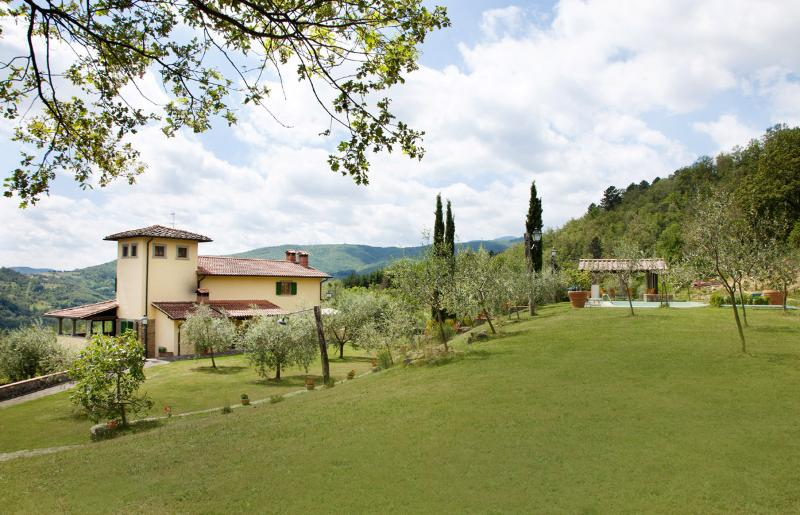 La Casina Poppi, Tuscany set in astounding natural surrounding, location de vacances à Poppi