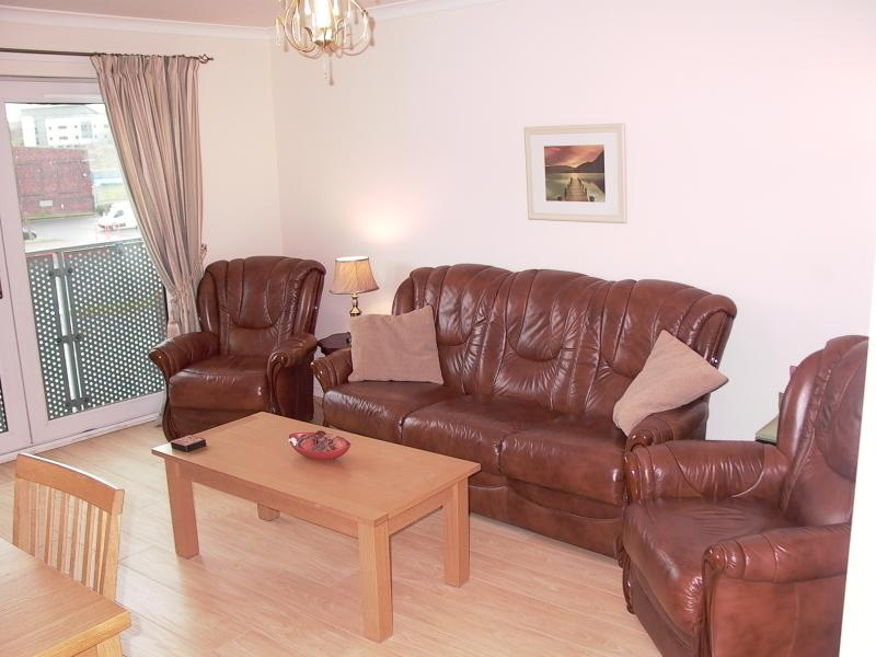 Glasgow City Apartment Has Internet Access and Wi-Fi ...
