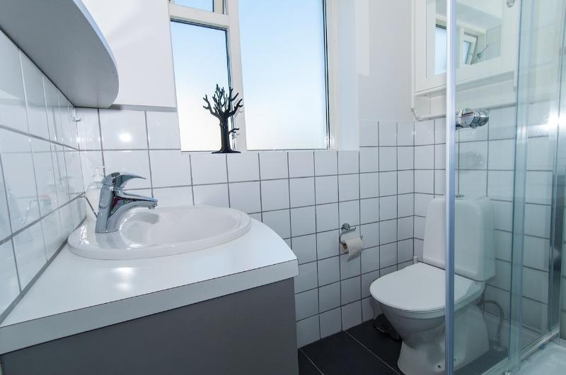 A completly refurbished modern bathroom!