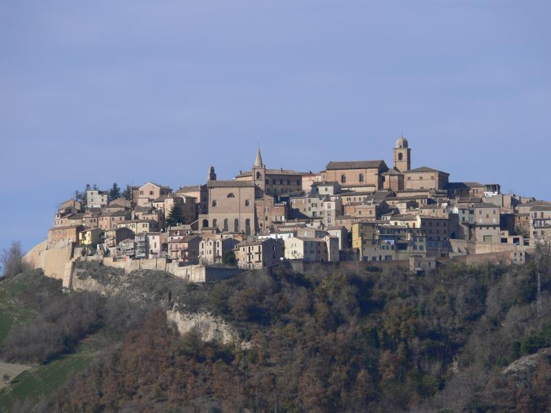 The picturesque hill top village of Montedinove. Casa Raffaele is on the right