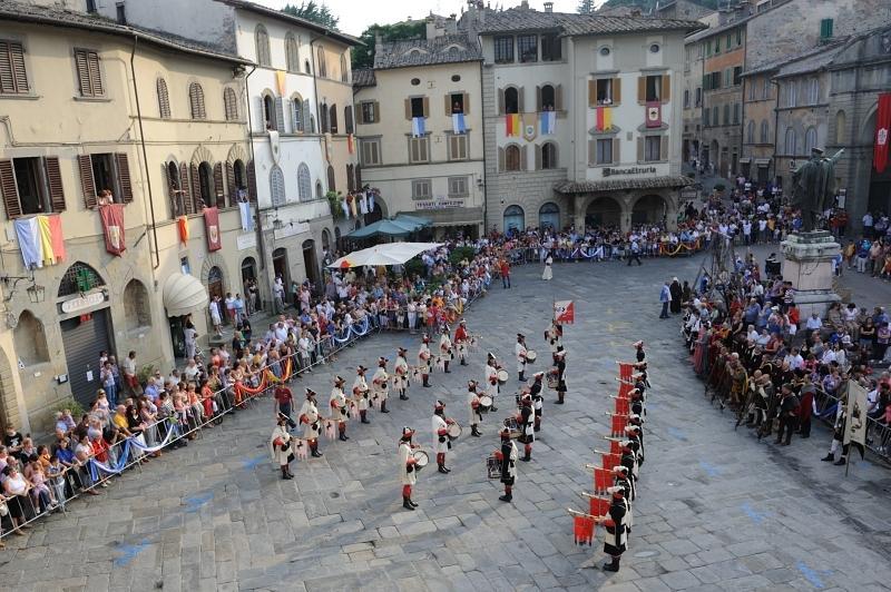Piazza Baldaccio during the 'Palio'