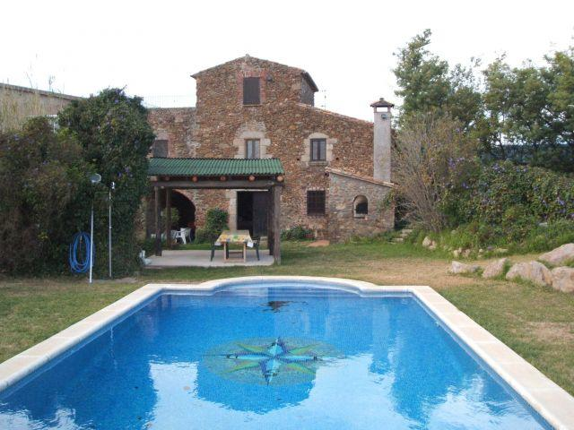 Facade with swimming pool