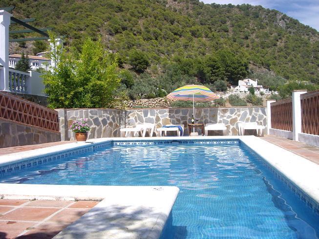 CASA RURAL CUATRO CAMINOS, holiday rental in Frigiliana