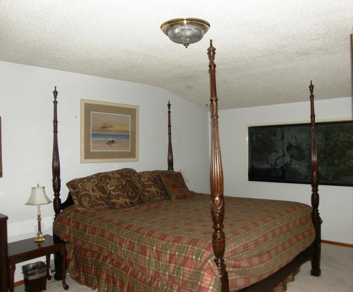 1st king bedroom upstairs