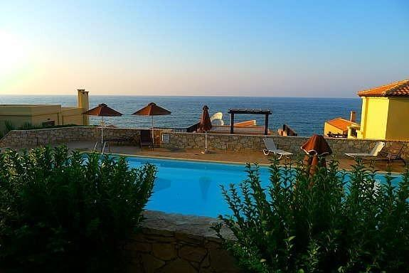 Panorama Seafront Home I - right by the sea and by the swimming pool, vacation rental in Panormos