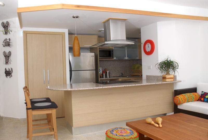 Koken Is een genot in dit ' oceanfront ' weergave keuken.