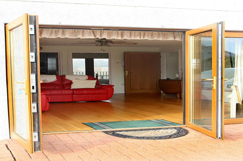 Luxury Bluebell suite, with wheelchair access on ground floor, vacation rental in Tresillian