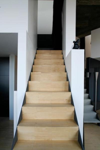Stairs to King Bedroom