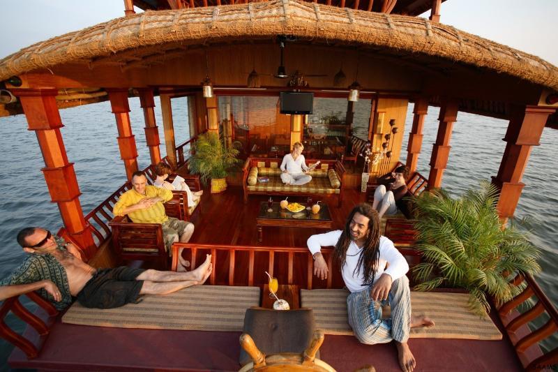 Voorste Lounge van SAAMs boot
