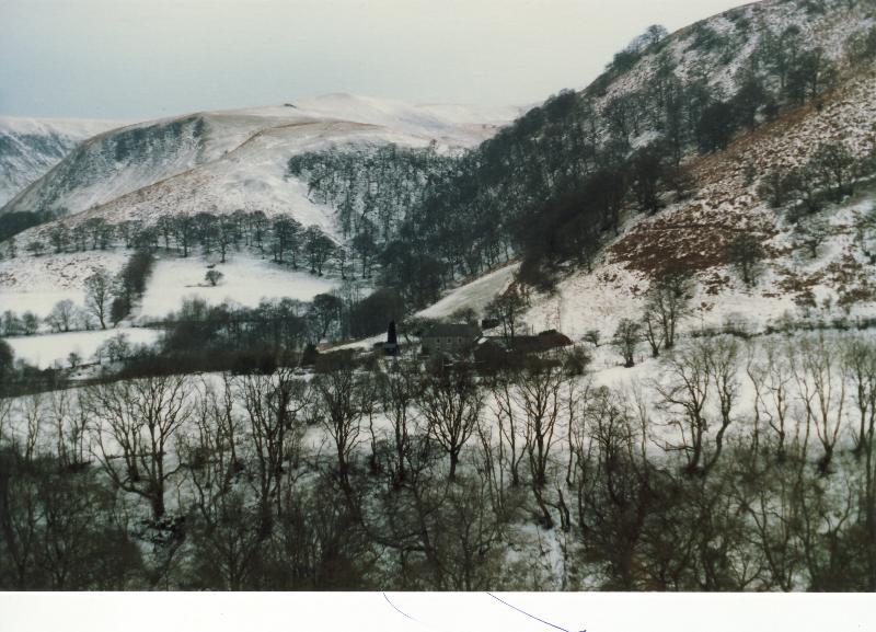 Troedrhiwgelynen in Winter from other side of valley