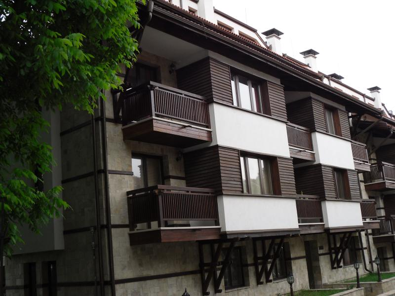 External view of 2nd floor apartment