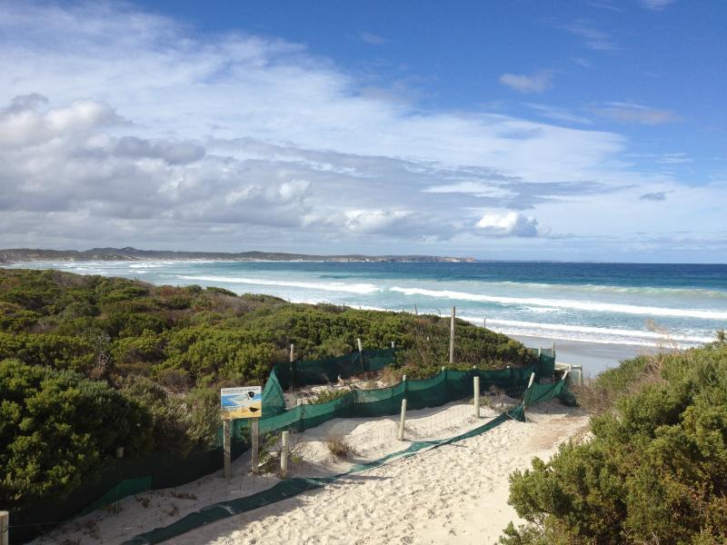 Vivonne Bay beach - short 300 metres away