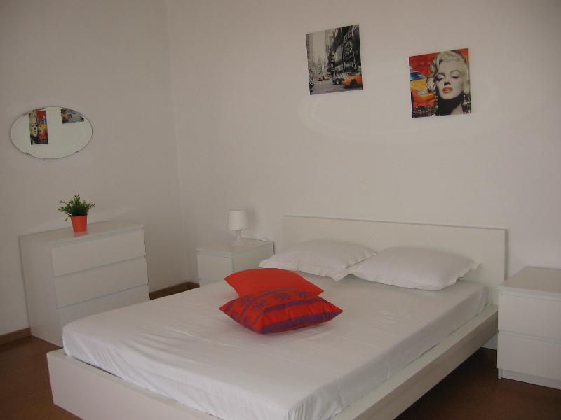 the orange room