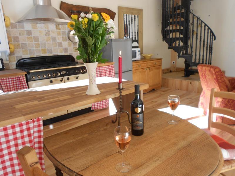 Delightful Cottage Dunallican, vacation rental in Pech-Luna