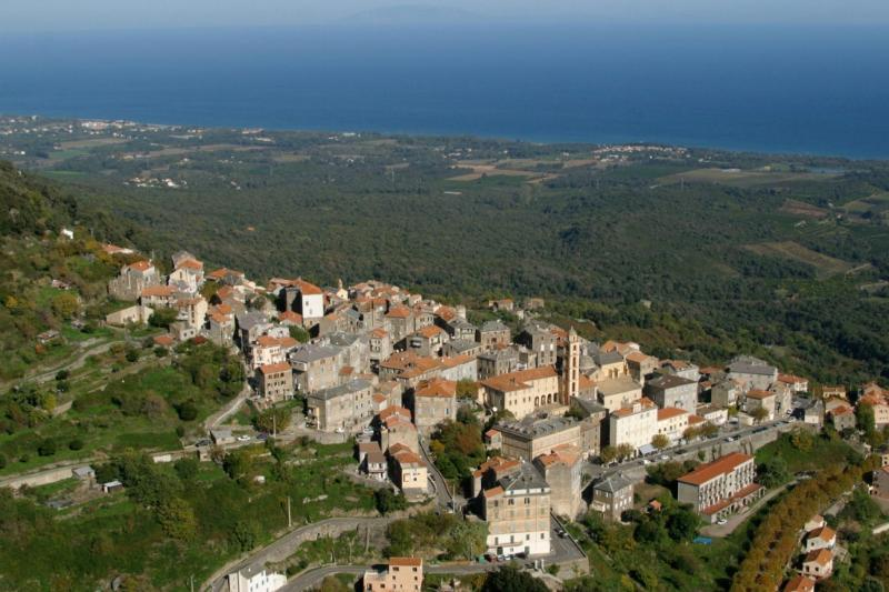 A Casa di mamona in Corsica, holiday rental in Canale-di-Verde