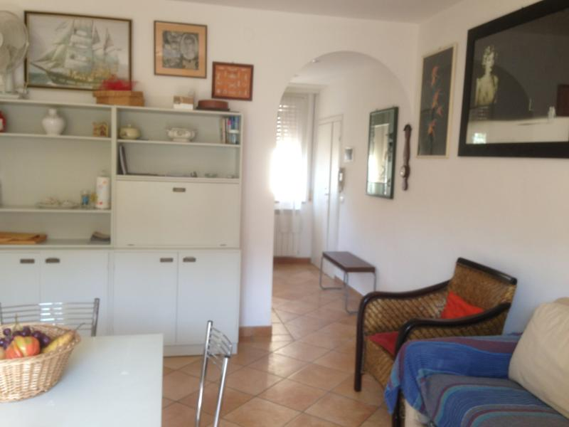 Charming Tuscan holiday apartment in Castiglione Della Pescaia, holiday rental in Ponti di Badia