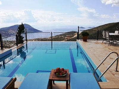 Amazing outdoor swimming pool with stunning view