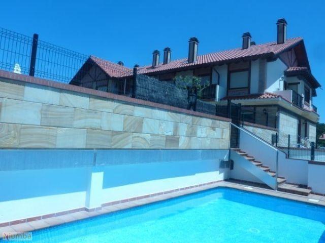 Cómodo, Tranquilo y Bonito - Playa, Surf, Pisicina, casa vacanza a La Cavada