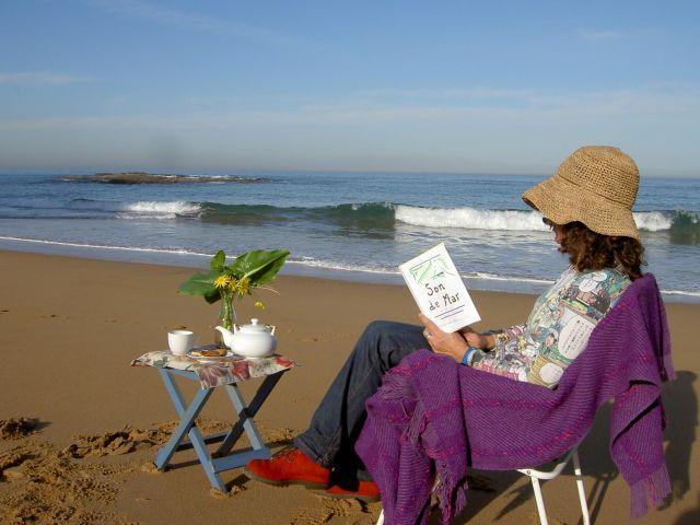 Alojamiento proximo a la playa de La Ñora y a la Senda Costera que comunica  con Gijon .