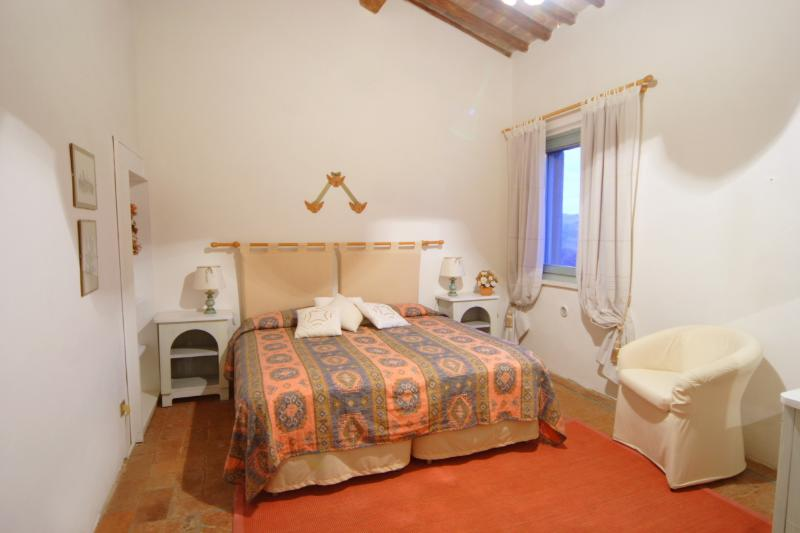 Pink bedroom Olivo