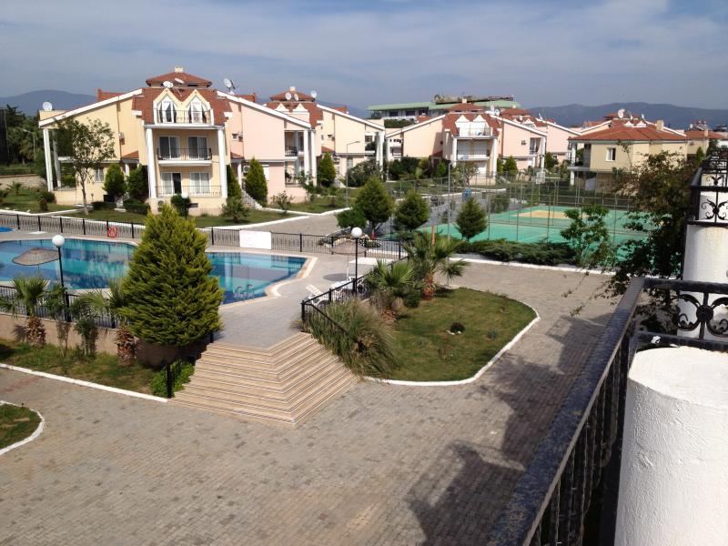 Aegean Pine Village duplex, casa vacanza a Altinkum