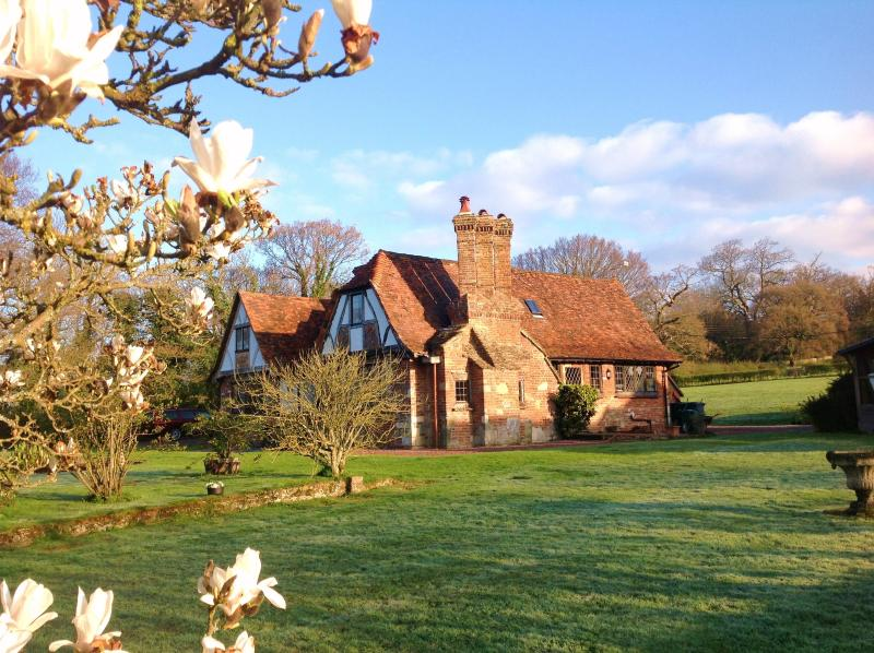 Idyllic Country Cottage, vacation rental in Ditchling