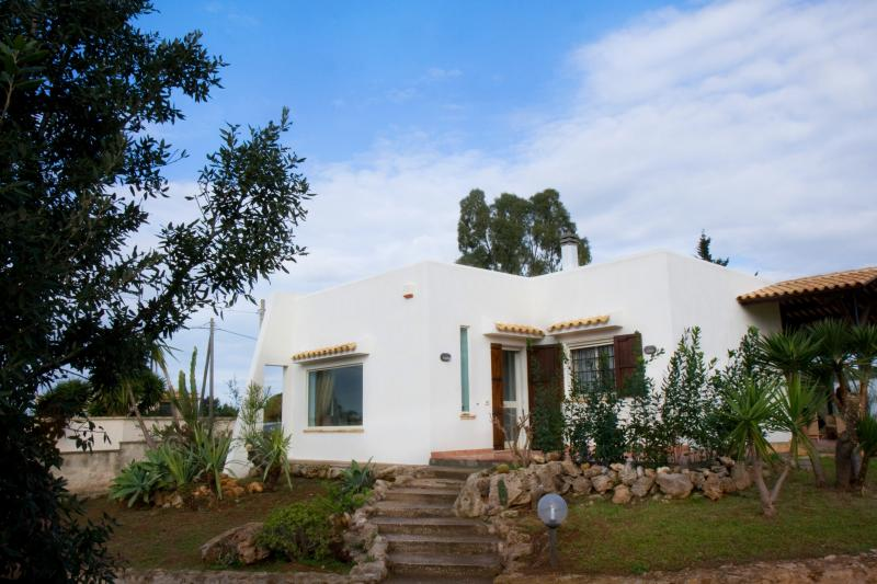 View of Casa del Verde with nice garden