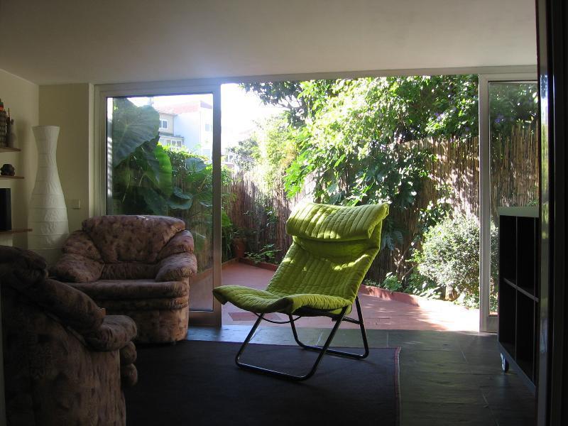 Quiet two rooms with private  garden Porto, location de vacances à Maia
