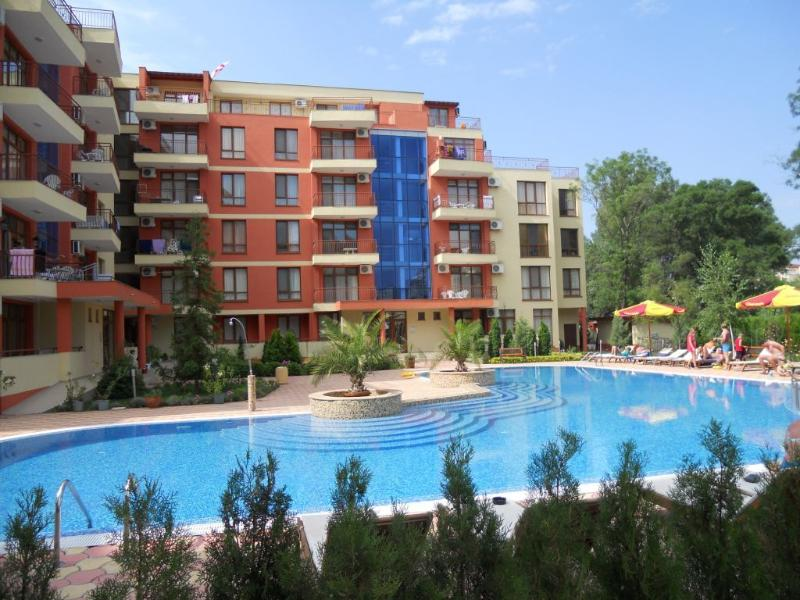 Anita-g 4 star complex in the heart of Sunnybeach with 24 hour security