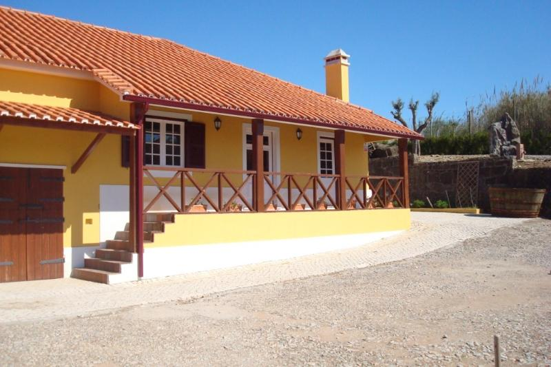 CASA AGRICOLA QUINTAJUNQUEIRA2, holiday rental in Caldas da Rainha