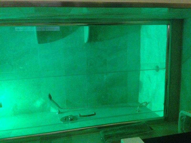 Cabina doccia con cromoterapia