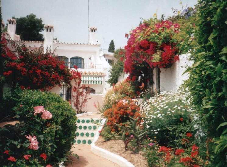 Gardens, El Capistrano Villas