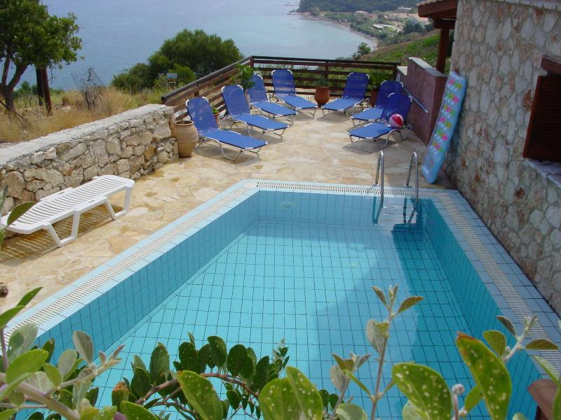 PRIVATE POOL OVERLOOKING THE SEA