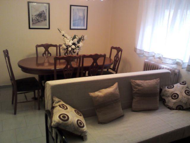 Apartamento de 85 m2 de 3 dormitorios en Soria, alquiler de vacaciones en Fuentelcarro