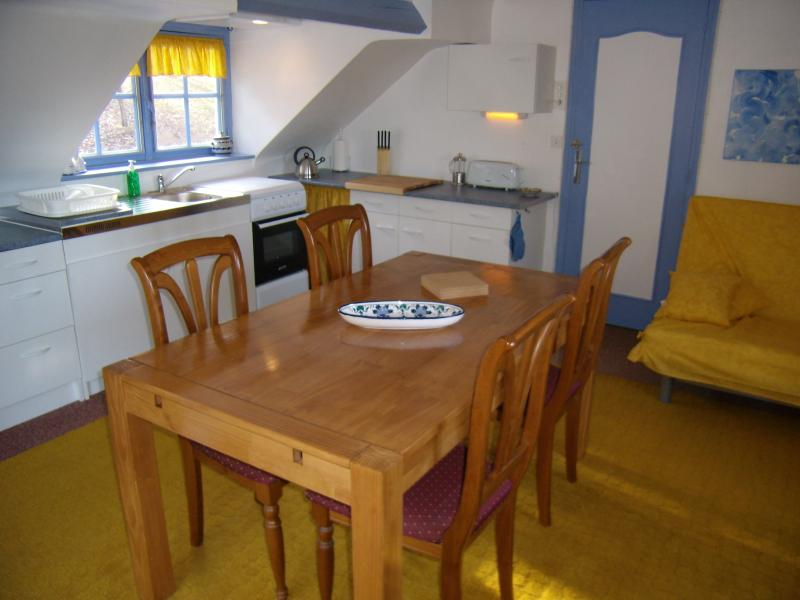 The kitchen & lounge area