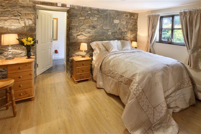 The Faulkner Bedroom: