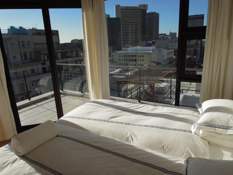 Stunning bright light 2nd bedroom with amazing views