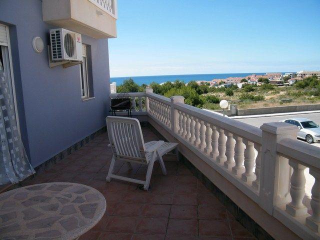 Apartamento con terraza y vista al mar en alcossebre, holiday rental in Alcala de Xivert